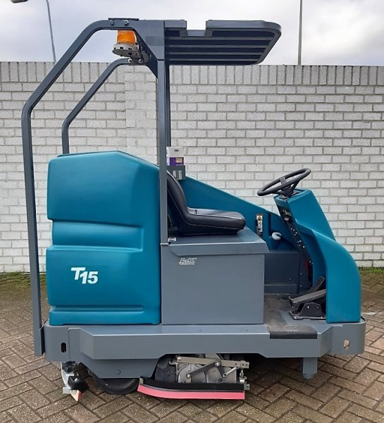 Tennant T 15, 171 hrs, HJR Retail Group, HJR Material Handling, heavyrent.nl