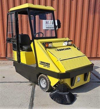 Ride on sweeper Karcher KMR 1700 Diesel, 412 hrs  - Outlet